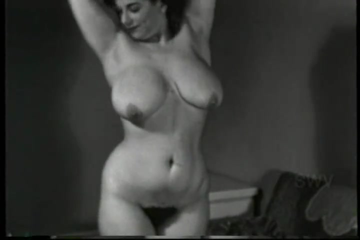Busty Model Vintage Italian-American Honey - 1940's