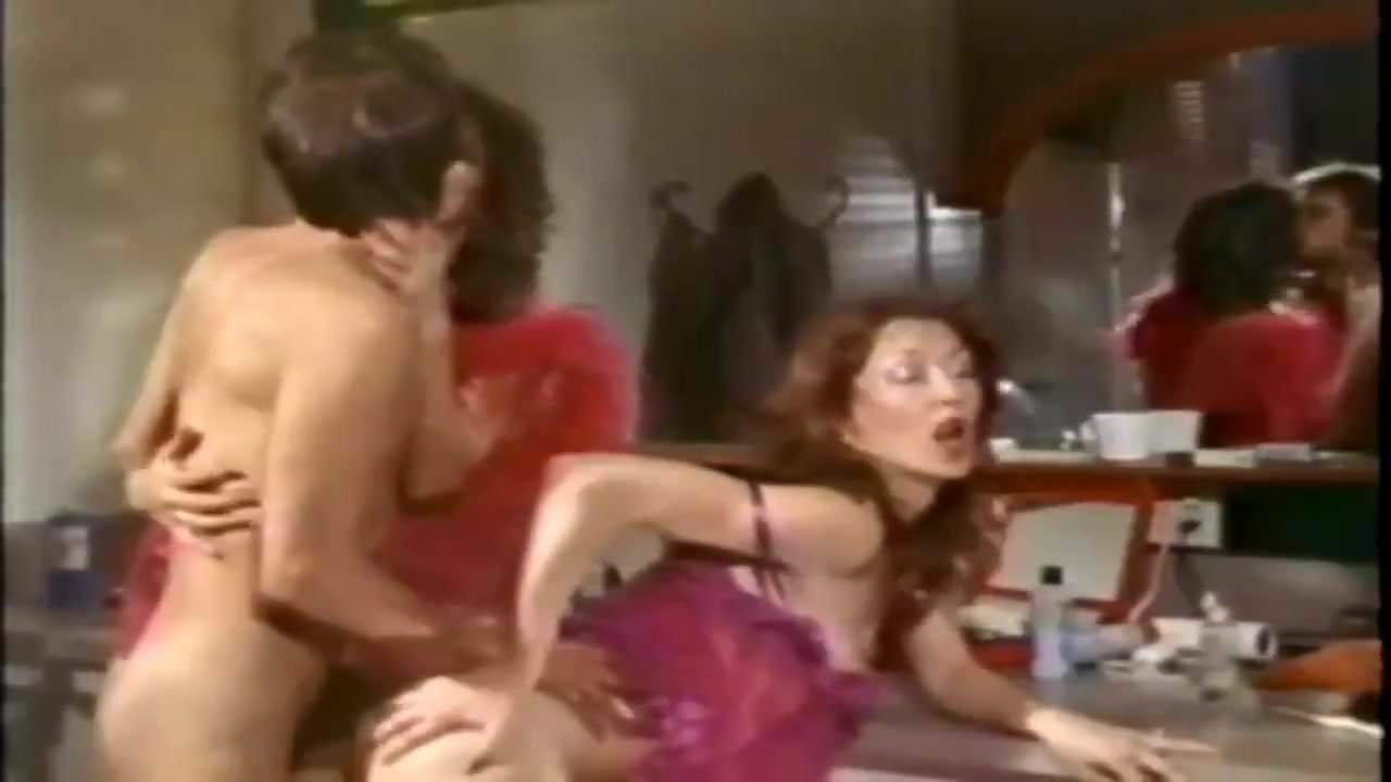 Awesome retro show girls are having classic hardcore fuck in vintage dressing room